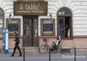 à table!