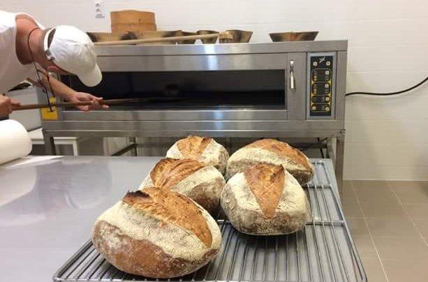 Hűlnek a kenyerek
